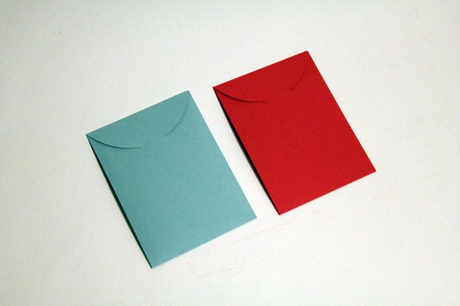 3-red-envelope-floral-back